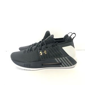 70dd18b028ac Under Armour Shoes - Under Armour Drive 4 Low Basketball Shoes NIB.